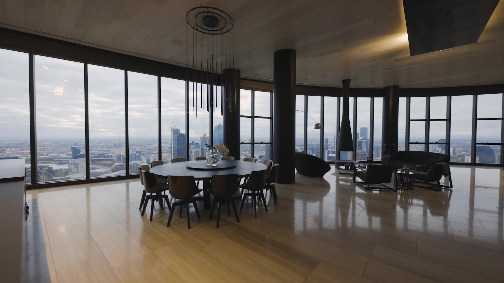 PRIMA PEARL TOWER PENTHOUSE